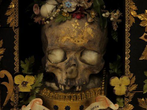 Fotografie di reliquie di Raffaello Bassotto a Milano