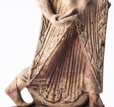 Un prezioso reperto etrusco recuperato a Londra esposto alla Centrale Montemartini in Roma