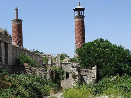 L'Azerbaigian ha censito oltre 700 monumenti nei territori liberati del Nagorno-Karabakh